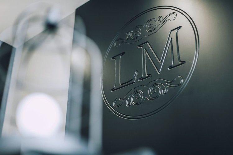 La Mode Hair & Beauty Salon logo